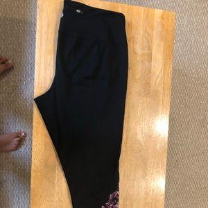 Leggings with purple snakeskin bottom